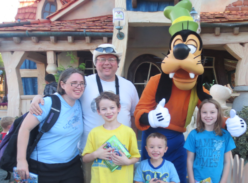Family Photo with Goofy at Disneyland