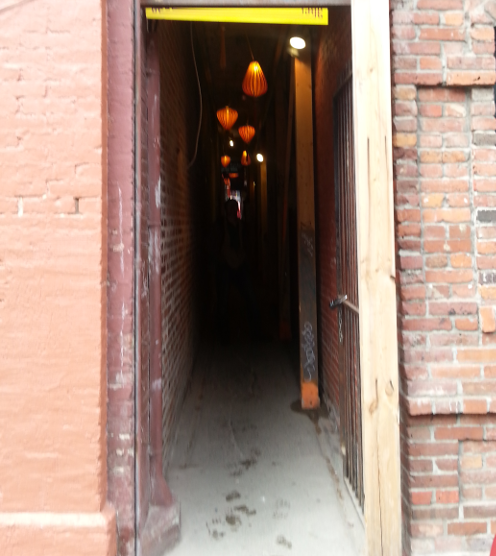 Fan Tan Alley Entrance