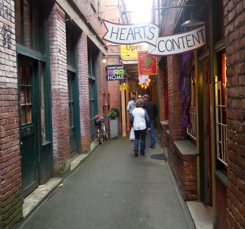 Fan Tan Alley Inside